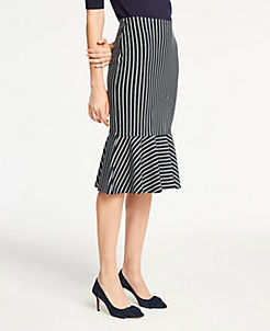 앤테일러 Ann Taylor Pinstripe Flounce Knit Pencil Skirt,Navy Multi
