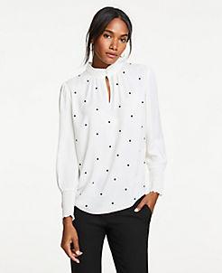 앤테일러 Ann Taylor Dot Embroidered Smocked Top,Winter White