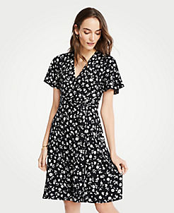 앤테일러 원피스 Ann Taylor Floral Flutter Sleeve Wrap Dress,Black / White