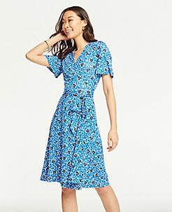 앤테일러 원피스 Ann Taylor Floral Cluster Flutter Sleeve Wrap Dress,Deep Campanula