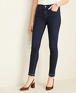 앤테일러 Ann Taylor Sculpting Pockets Frayed Skinny Jeans in Classic Mid Wash,Classic Mid Wash