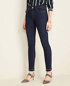 앤테일러 Ann Taylor Curvy Sculpted Pockets Frayed Skinny Jeans in Classic Mid Wash,Classic Mid Wash