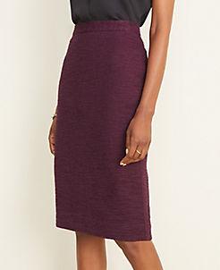 앤테일러 Ann Taylor Textured Button Pencil Skirt in Curvy Fit,Bold Plum