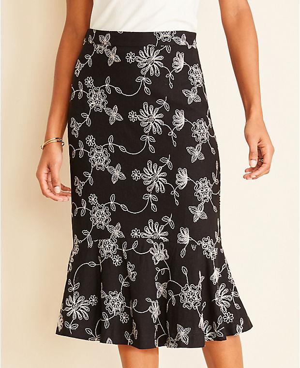 앤테일러 Ann Taylor Floral Embroidered Flounce Skirt,Black