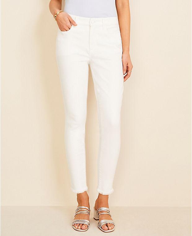 앤테일러 Ann Taylor Curvy Frayed Sculpting Pocket Skinny Crop Jeans in White,White