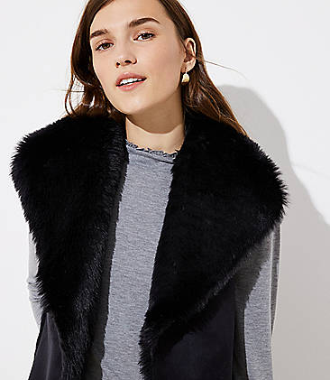 로프트 LOFT Faux Fur Vest,Black