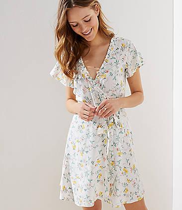 로프트 LOFT Tossed Flower Flutter Wrap Dress,Whisper White