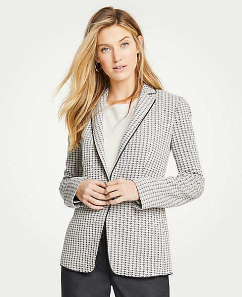 The Petite Houndstooth Knit Blazer