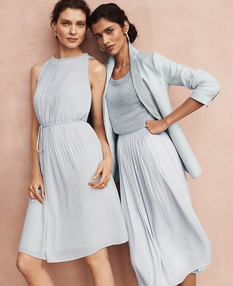 ANN TAYLOR LIMITED TIME SPECIAL! EXTRA 40% OFF YOUR ENTIRE PURCHASE + 15% OFF ON TOP!