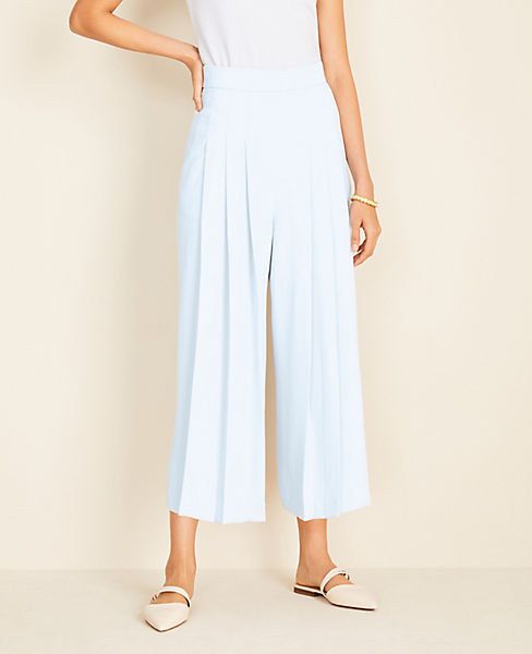 Pleated Wide Leg Crop Pants