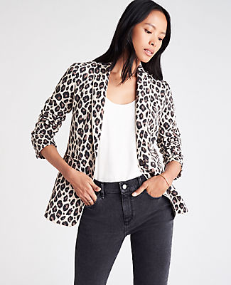 In a spot-on leopard print, our refined blazer is ready for whatever\\\'s on your agenda. Notched lapel. Long button-open sleeves allow for versatility in styling. One-button front. Front besom pockets. Back vent. Lined. Ann Taylor The Hutton Blazer in Leopard Print