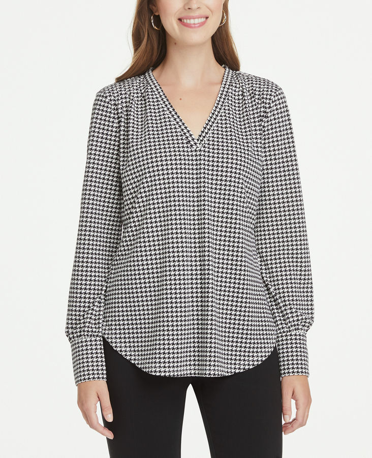 Petite Houndstooth Pleated V Neck Knit Blouse