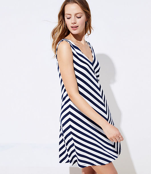 6682f67784506 Image 3 of 4 - Chevron Double V Sleeveless Swing Dress