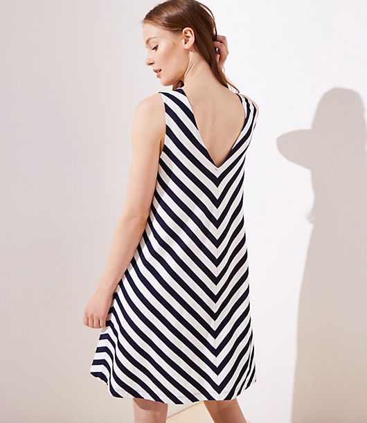 af912808669ce Image 4 of 4 - Chevron Double V Sleeveless Swing Dress