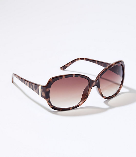 These smart and chic rectangle sunglasses are the perfect finish to every outfit. 100% UV protection. Comes in a soft fabric drawstring pouch. California Proposition 65 WARNING Loft Rectangle Sunglasses