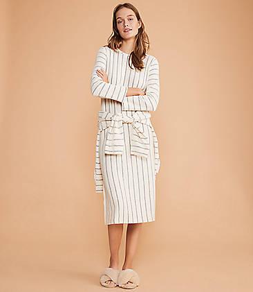 a86c2e574bb5 ...  89.50 Lou   Grey Chevron Stripe Maxi Dress