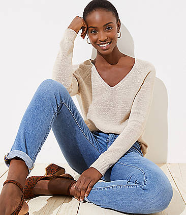 e78b4f3d7d Relaxed V-Neck Sweater