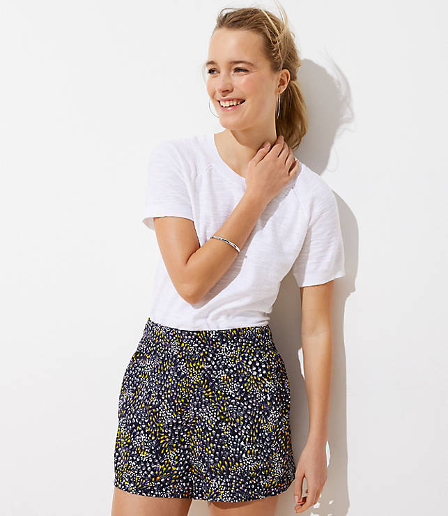 Dotted Crepe Pull On Shorts by Loft