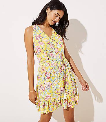 6e316c4e935a4 LOFT Beach Floral Tasseled Tie Waist Dress
