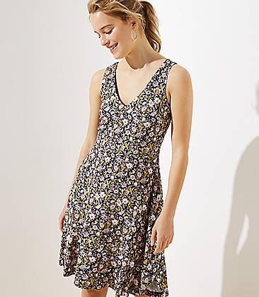 ef92b5b1d06 Floral V-Neck Flounce Flare Dress