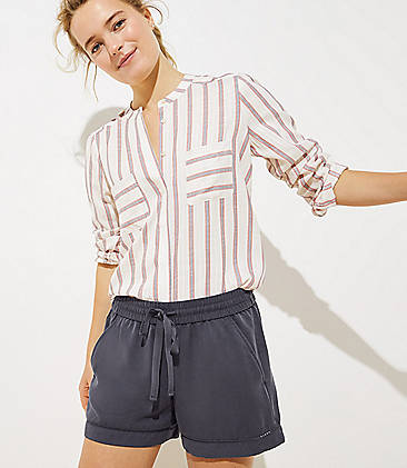 Strong-Willed Ann Taylor Loft Women's Short Grey Striped Size 8 Petite Original Mixed Intimate Items