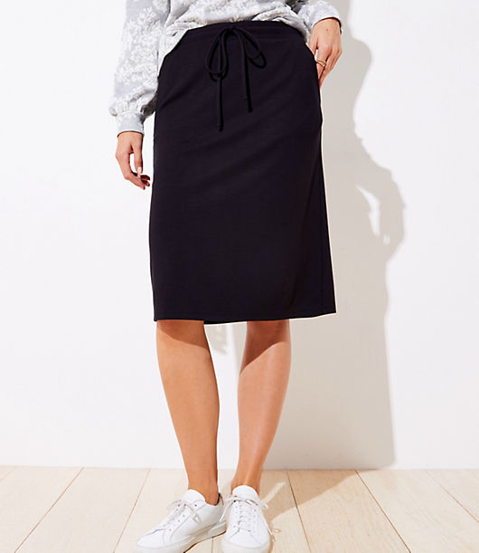 In sleek and stretchy ponte with a drawstring waist and handy pockets, this skirt takes the forever polished and flattering pencil silhouette to the comfiest place. Elasticized drawstring waist. Front slash pockets. Loft Drawstring Pocket Pencil Skirt