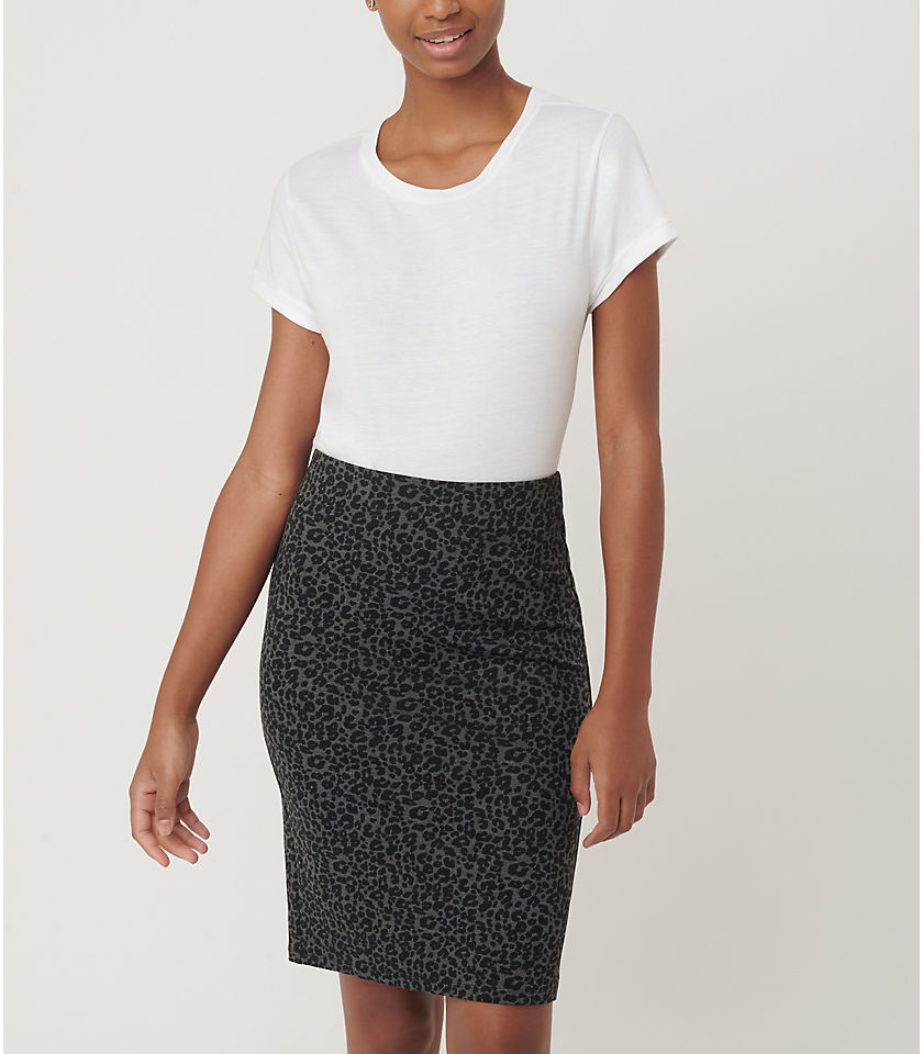 로프트 LOFT Leopard Print Pull On Pencil Skirt,Black