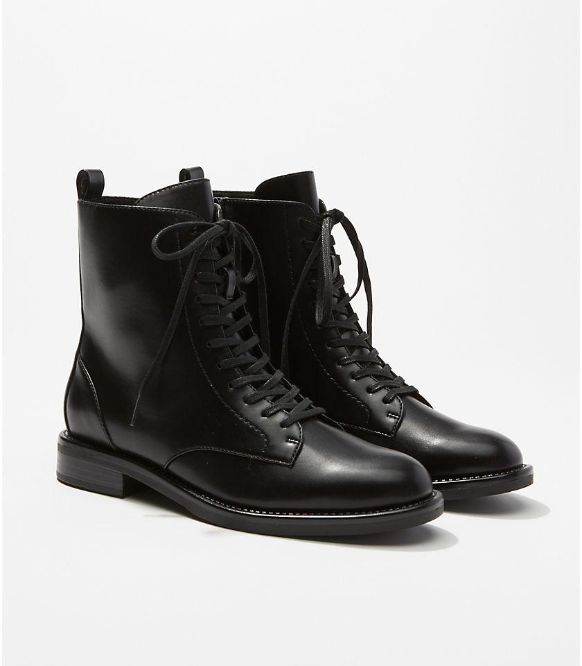 로프트 LOFT Lace Up Boots,Black