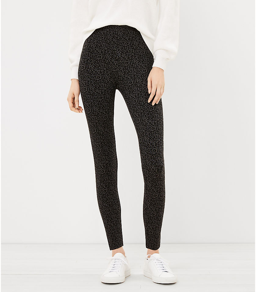 로프트 LOFT The High Waist Sculpt Legging in Leopard Print,Black Multi